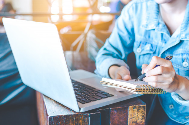 【WordPress教學】基本操作 (三)User 帳戶、Themes 佈景主題、Widgets 小工具、General Setting 一般設定以及Plugins 外掛 。